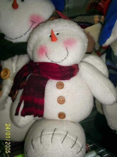 dúo de muñecos de nieve con moldes en fieltro